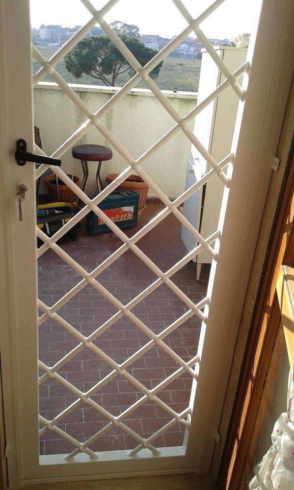 Grate per finestre roma grate in ferro sicur infissi - Grate in ferro per finestre prezzi ...