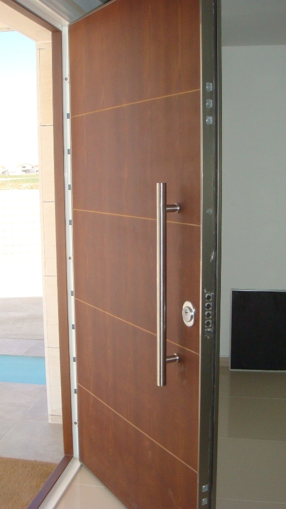Porte blindate roma sicur infissi for Puerta blindada casa
