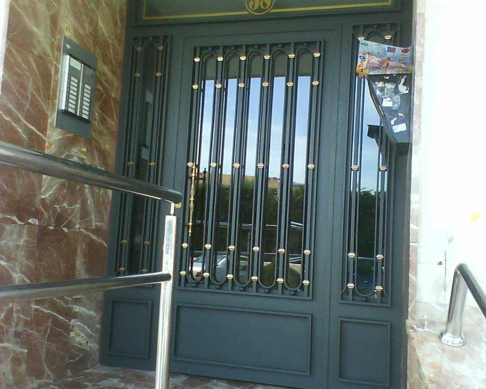 Portoncini condominiali roma portoncini in ferro roma for Opzioni di raccordo per l esterno della casa